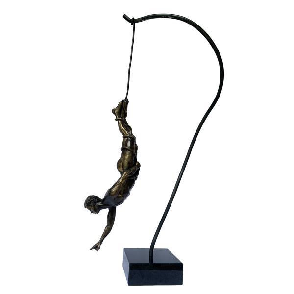 Seeker-sculpture-michael-alfano